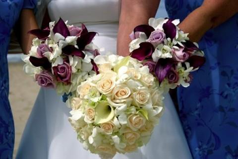 Novi svadbeni stilovi: rustični i glam bidermajeri