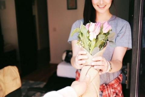 Buket cveća – savršen poklon za rođenje deteta