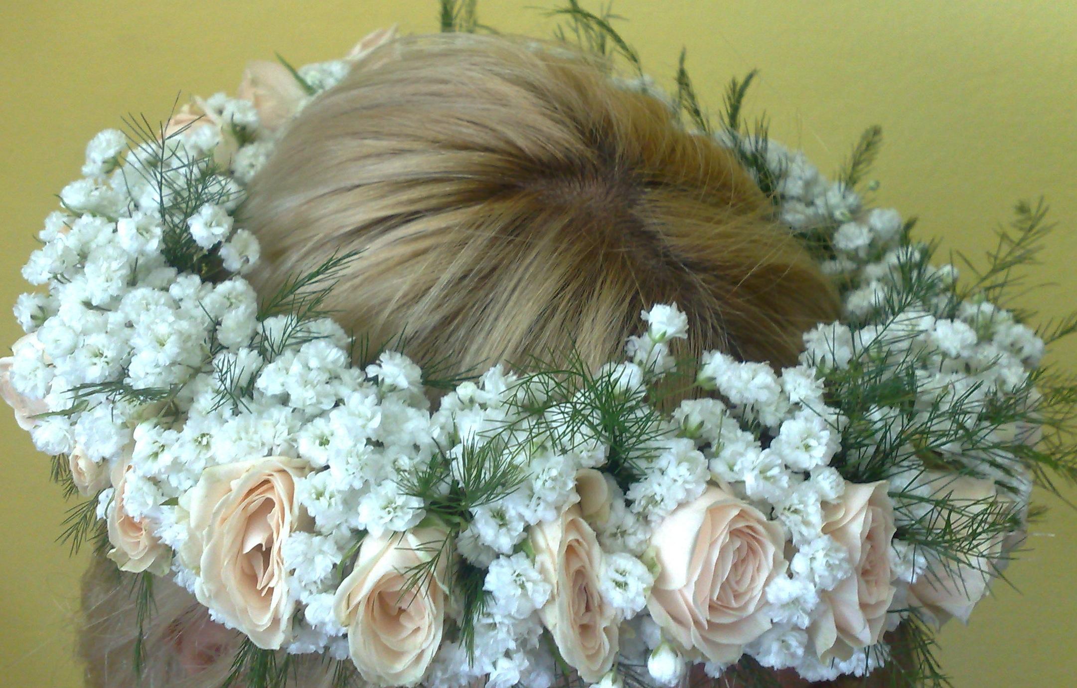 Cveće za kosu - mini ruža i gipsofila
