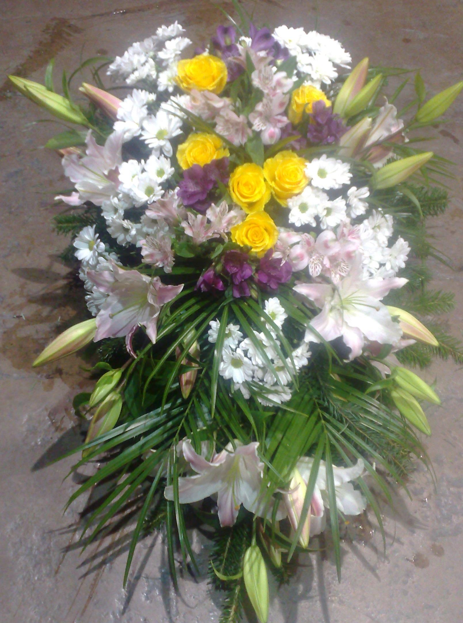 Suza ruže, hrizantema, alstromerija i orjentalni ljiljan