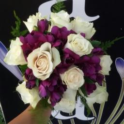 Bidermajer ruža alstromerija