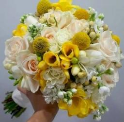 Bidermajer ruže i frezije
