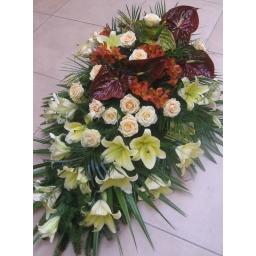 Suza ljiljan, ruže i anturijum