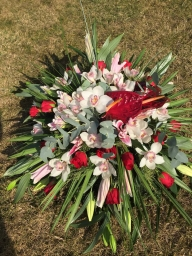 Venac orjentalni ljiljan, orhideje, ruze, anturijum