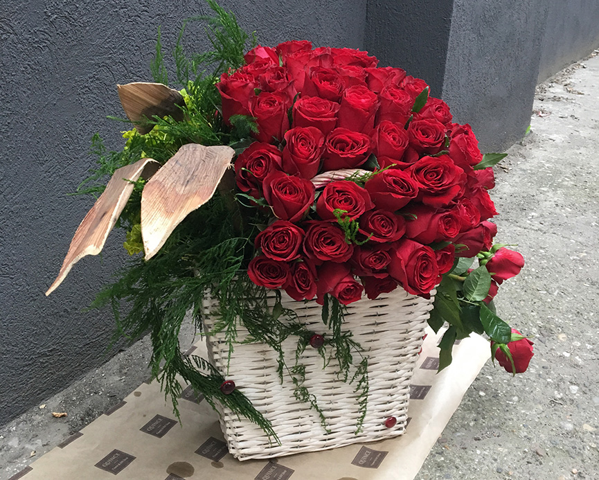 101 ruža u korpi