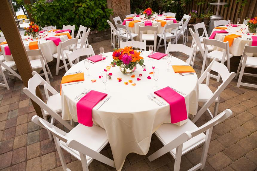 Dekoracija mladenackog stola i stola za svadbu