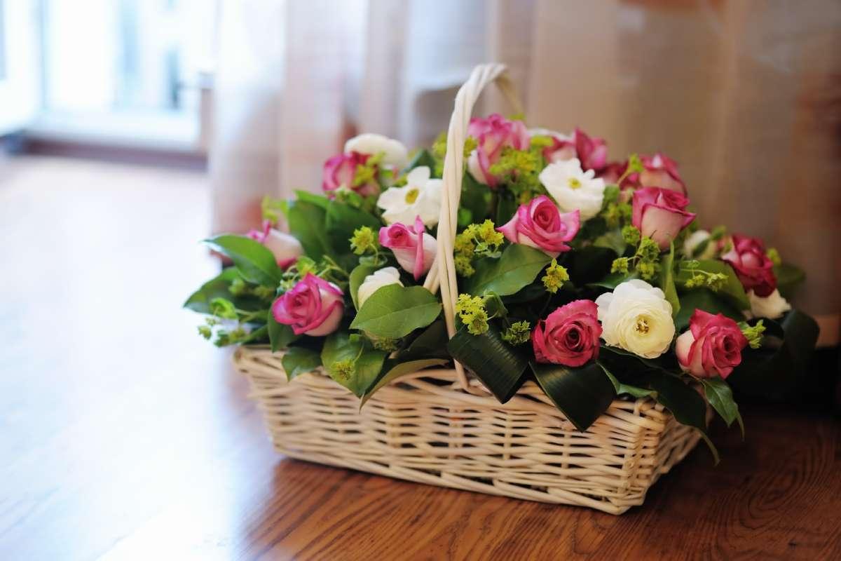 ruže cvetni aranžman