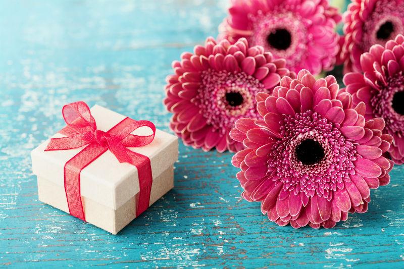 poklon za Dan zaljubljenih devojci
