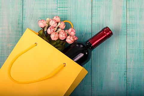 Cveće i vino su najbolji pokloni za slavu