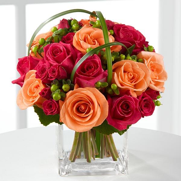 Bidermajer od crvenih i oranž ruža