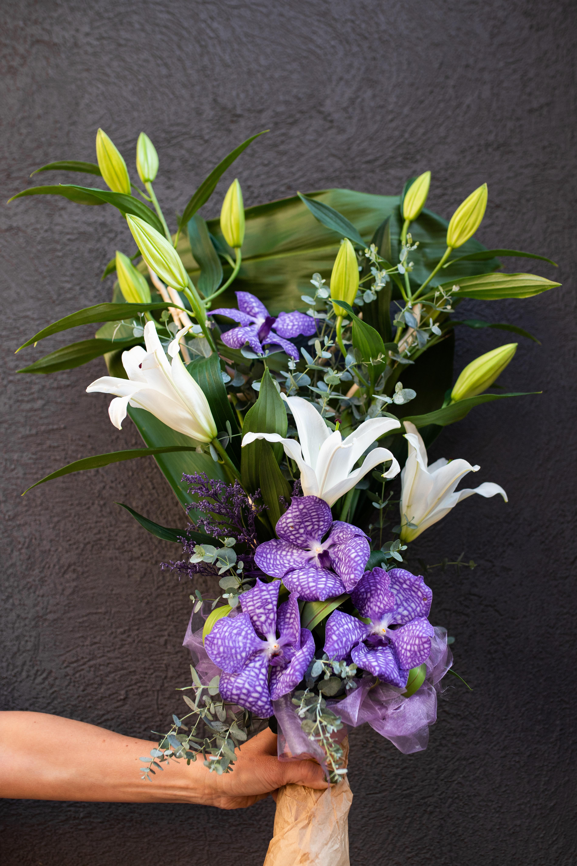 Buket orhideja vanda, orjentalni liljan