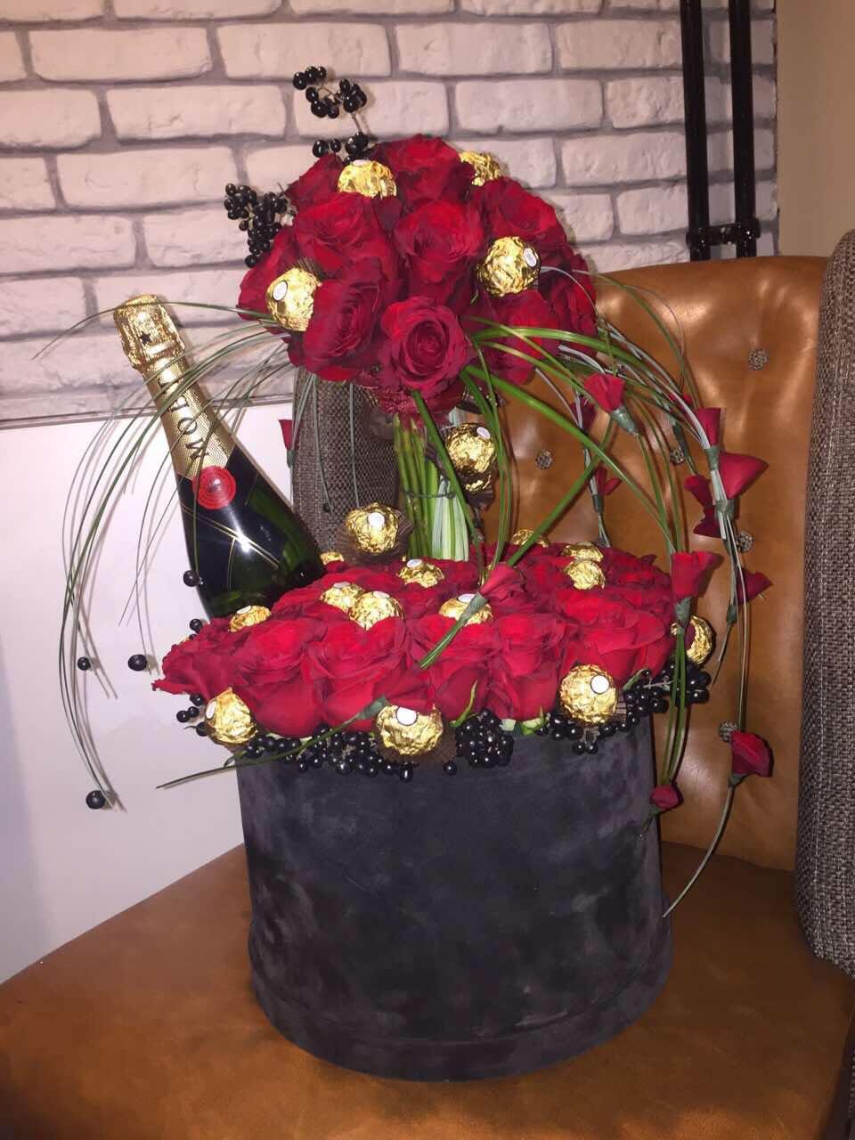Crvene ruže u kutiji  - 50 crvenih ruža