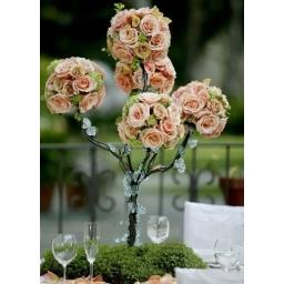 Cvetni aranžman ružino drvo