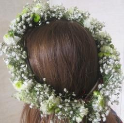 Cveće za kosu - hrizantema i gipsofila
