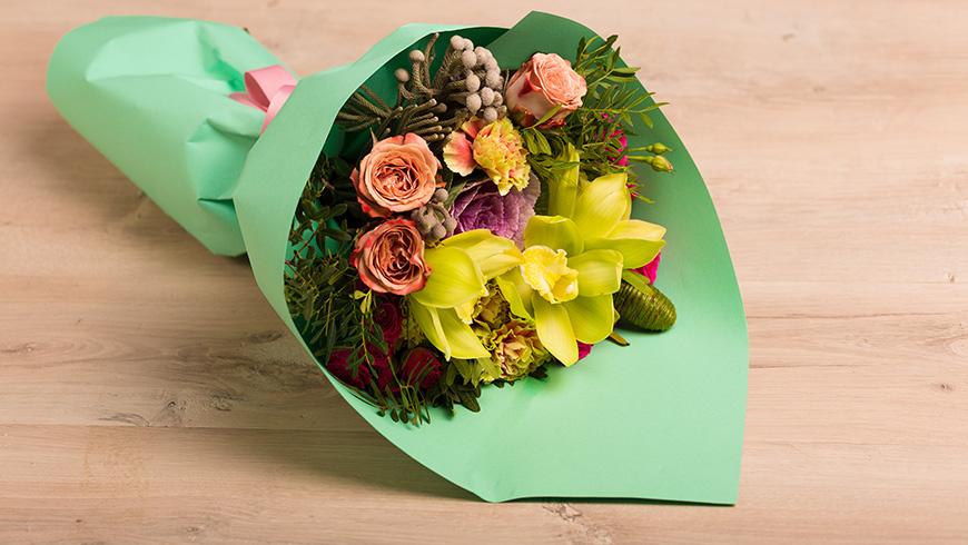 Lep rođendanski buket cveća